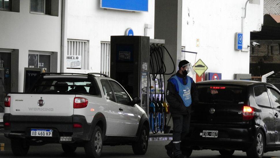 YPF asegura que no tiene previsto suspender trabajadores