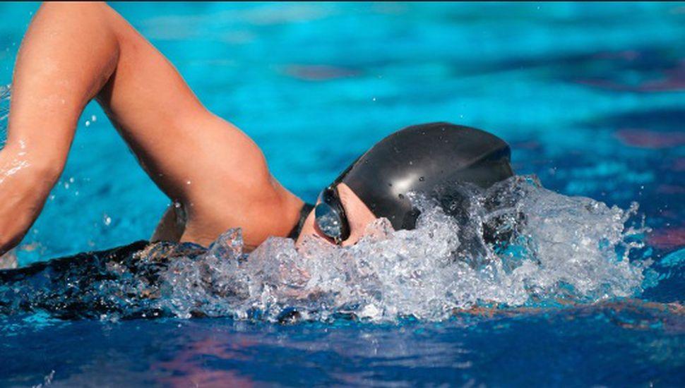 Se realizaron las 24 horas de natación en el Club Rivadavia de Lincoln