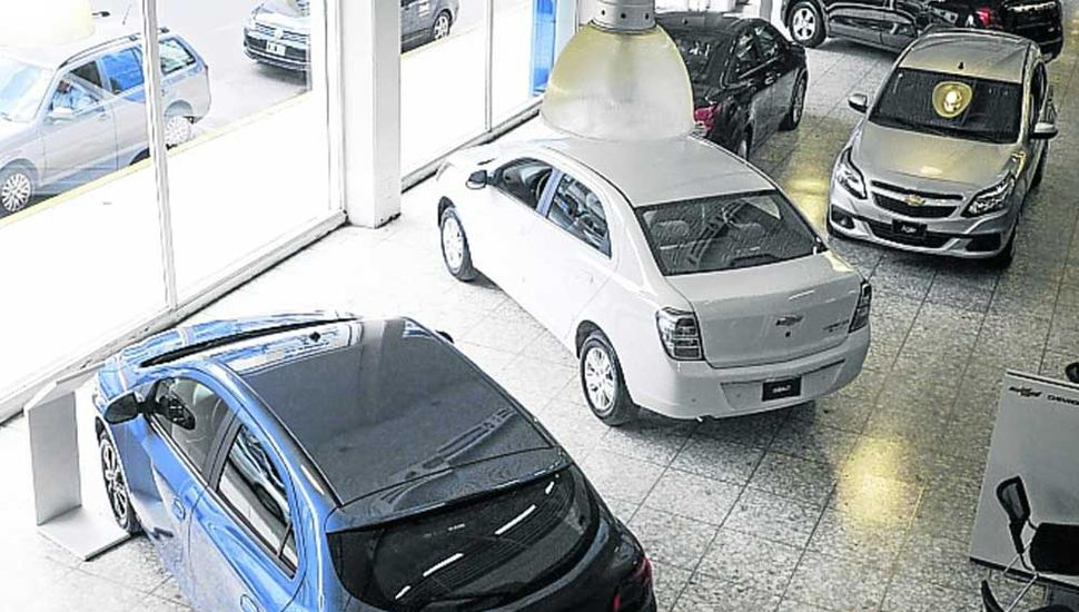 Cayó un 54,5% la venta de autos en marzo