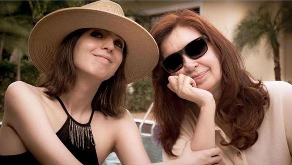 Cristina Kirchner posteó la primera foto de Florencia desde que comenzó el tratamiento médico en Cuba