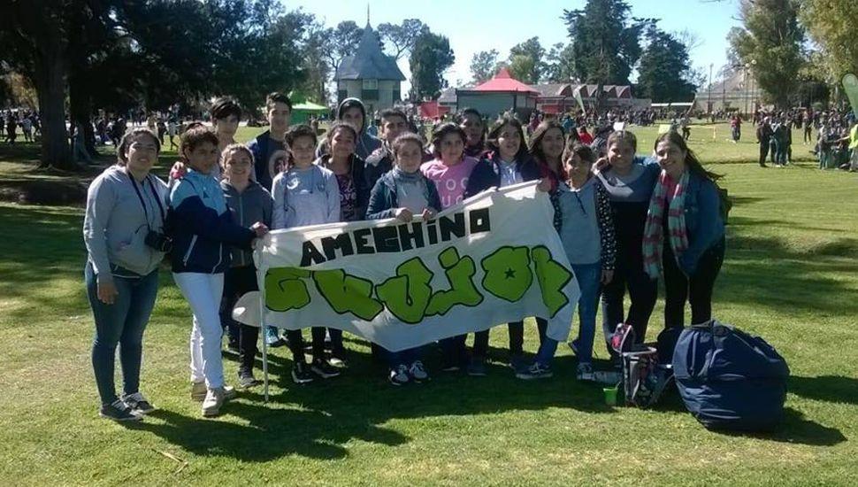 """Jóvenes de Ameghino participan del encuentro """"El envión sos vos"""""""