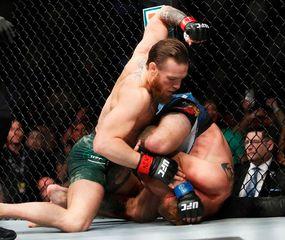 Conor McGregor, implacable ante Donald Cerrone.