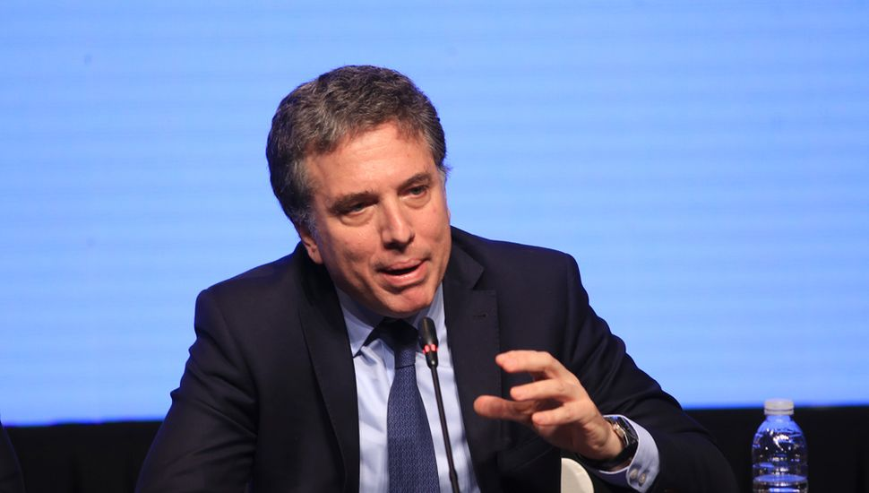 Dujovne aseguró que con el cambio de la fórmula de ajuste jubilatorio el Estado