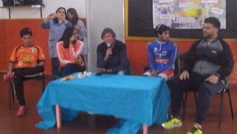 Saccani, Ferreri, Penella, Crisafulli y Lanare en la cabecera de una de las charlas.