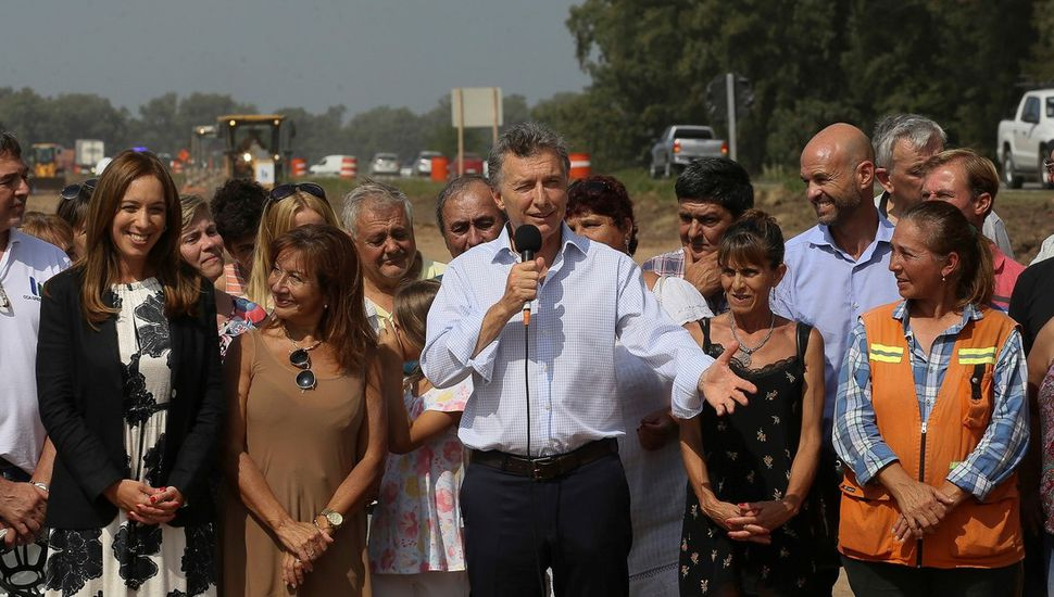 Hace instantes en Suipacha: Macri y Vidal recorrieron la obra de la autopista de Ruta Nacional 5