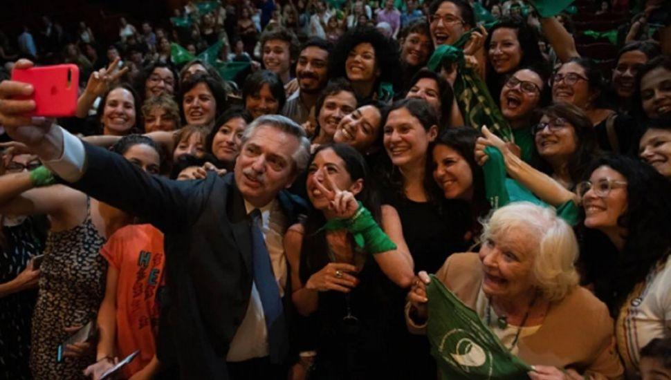 Alberto Fernández durante la presentación de un libro.