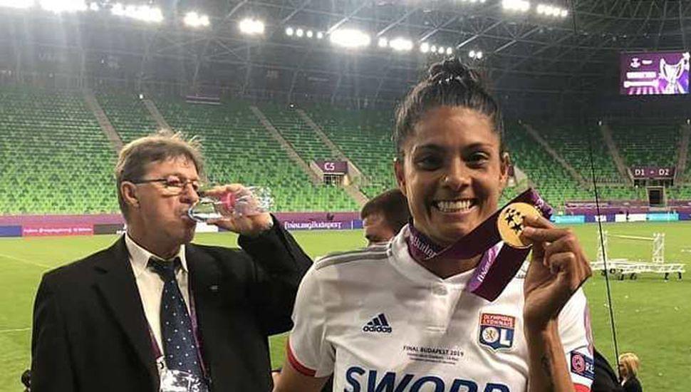 La entrerriana Soledad Jaimes festeja en el estadio del Ferencvaros de Budapest, Hungría.