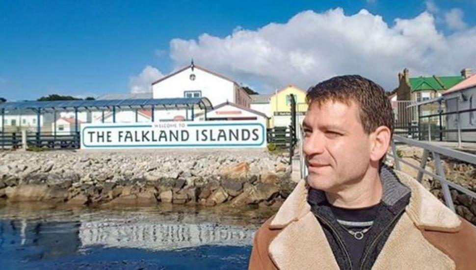 Intentó traer un objeto de Malvinas, lo detuvieron y tuvo que pagar casi $50.000
