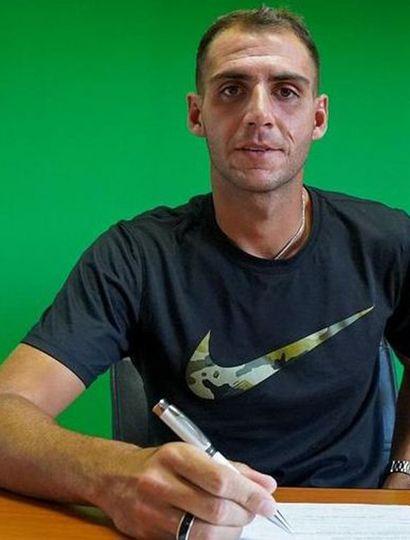 Nicolás Bazzana sería el reemplazante del suspendido Braian Salvareschi.