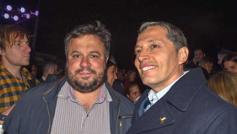 Lautaro Mazzutti, con Fernando Gray, en Los Toldos.