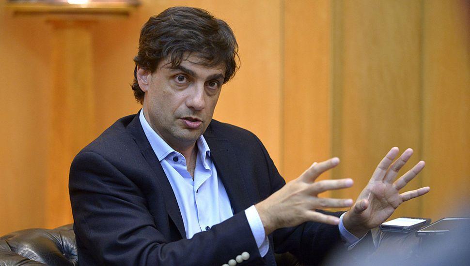 La exposición del ministro Hernán Lacunza ante la Bicameral será clave para alcanzar el consenso que espera el Gobierno.