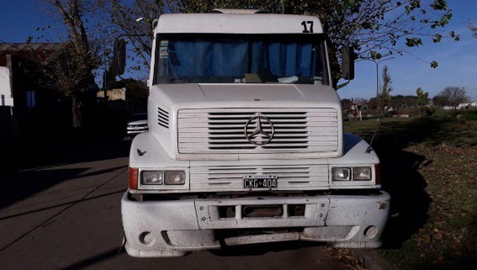 Secuestran un camión que llevaba acoplado cargado de soja
