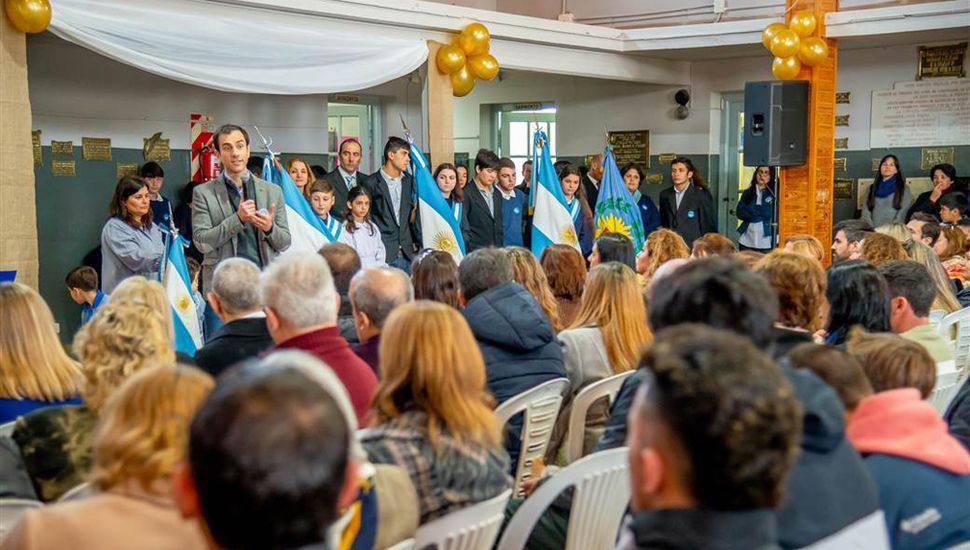 El intendente Pablo Petrecca encabezó el acto.
