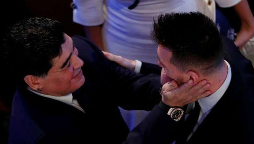 El reencuentro de dos cracks: Maradona y Leo Messi, juntos