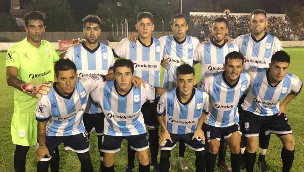Formación titular que anoche presentó Rivadavia de Junín, ganando y pasando a la final de ganadores.