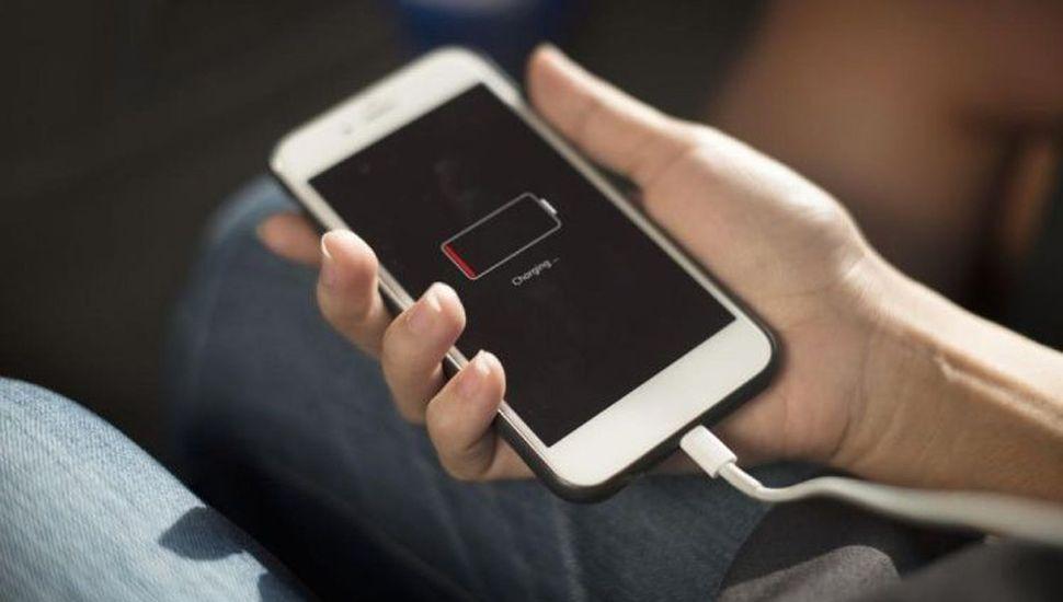 ¿Por qué es conveniente mantener la carga de la batería entre 20% y 80%?