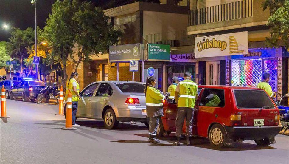 La norma dispone que los conductores bonaerenses menores de 21 años y los principiantes deberán circular con cero alcohol en sangre.
