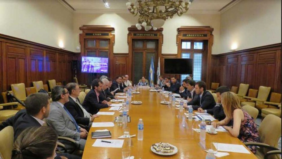 La UIA presentó al Gobierno sus 35 medidas para ayudar a las Pymes