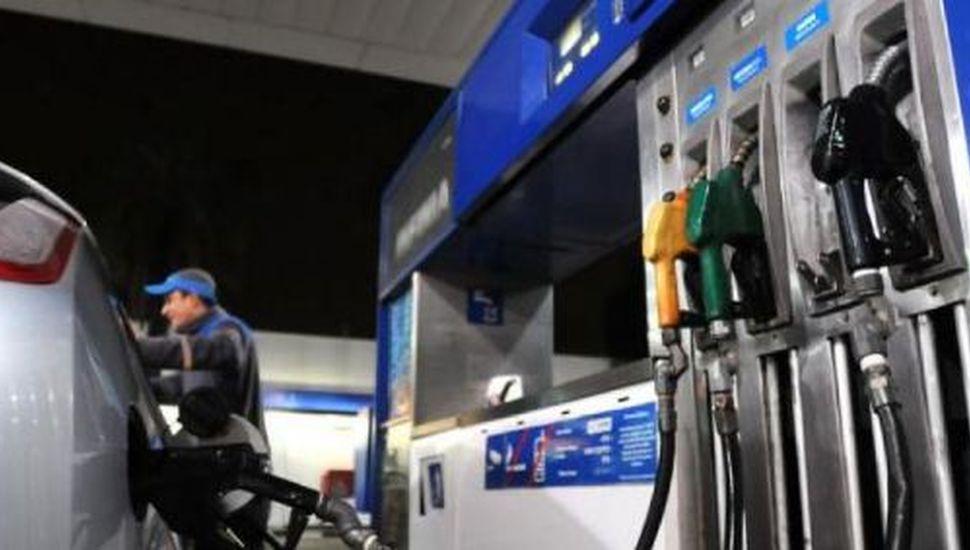 Se confirmó que se mantendrán frenados los precios de los combustibles