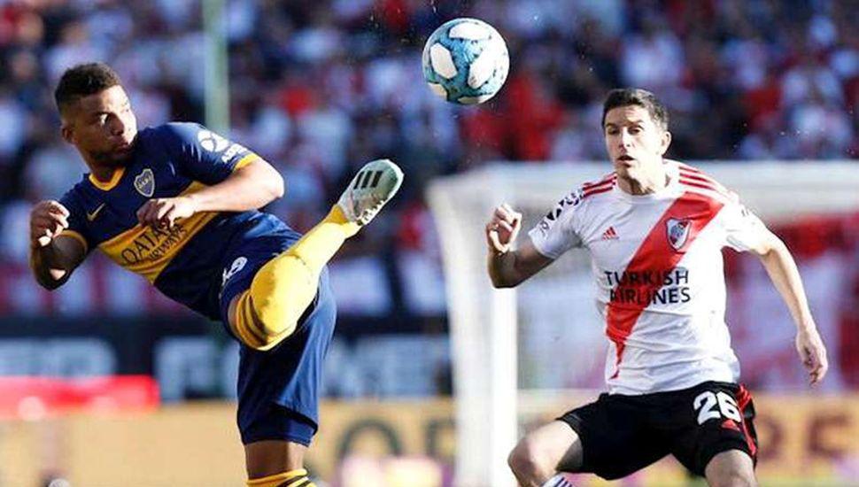 River Plate y Boca Juniors juegan hoy partidos de importancia en la pelea por el título.