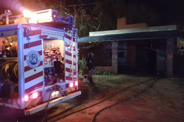 Los bomberos lograron sofocar el fuego.