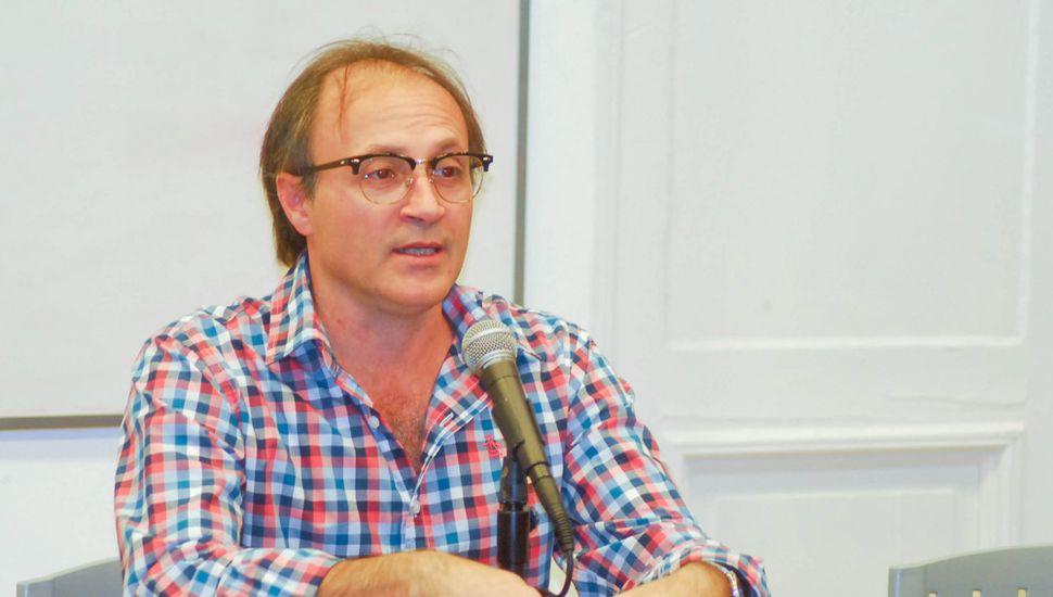 Juan José Becerra.