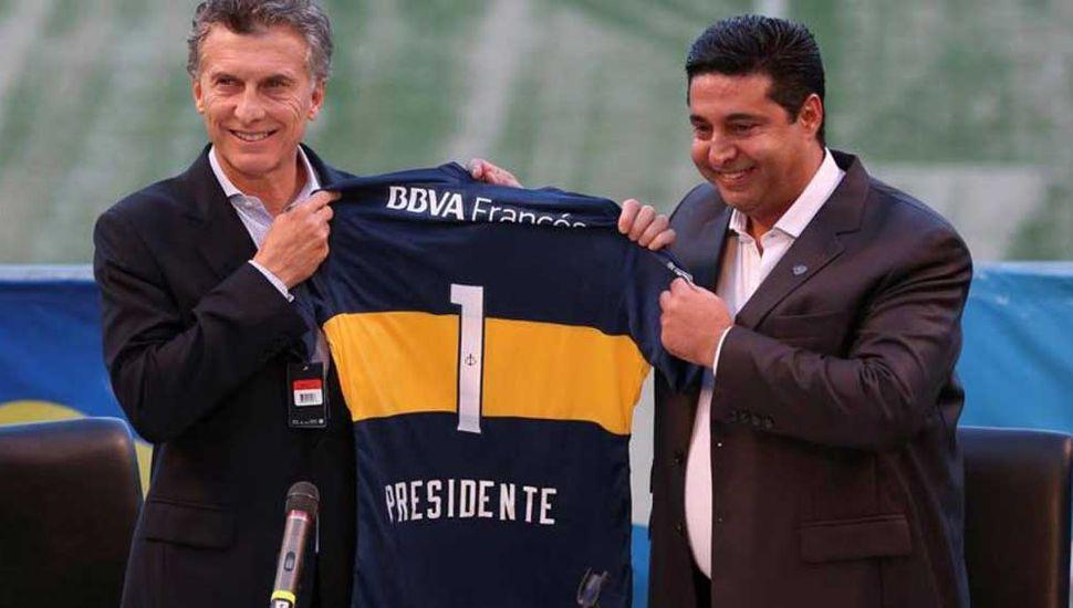 Mauricio Macri y el presidente de Boca, Daniel Angelici.