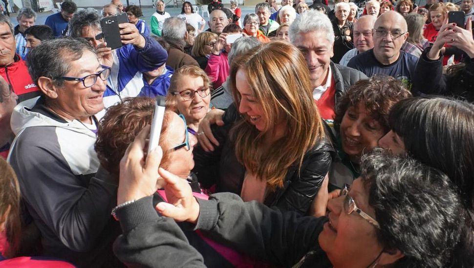 María Eugenia Vidal continuó sus visitas de campaña electoral.