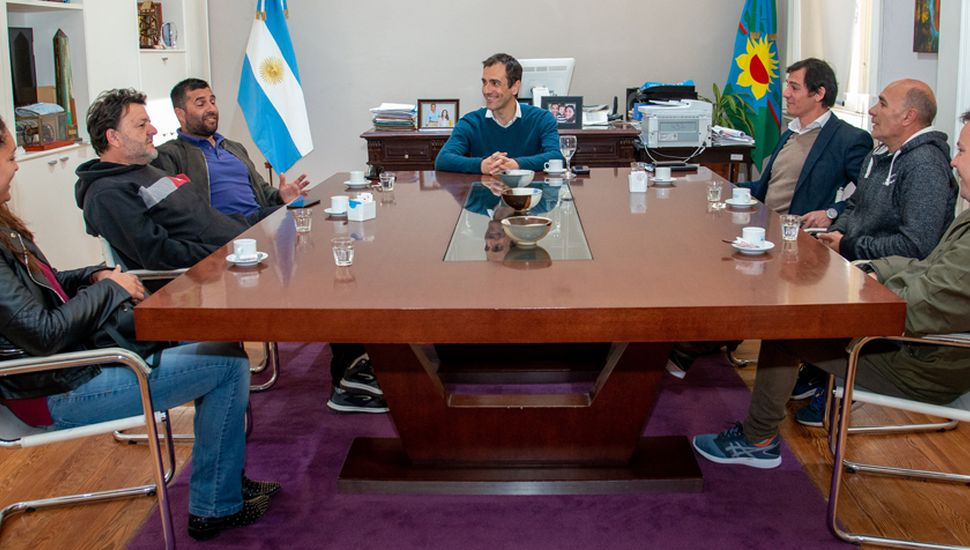 El intendente Pablo Alexis Petrecca mantuvo un nuevo encuentro con dirigentes de clubes deportivos de Junín.