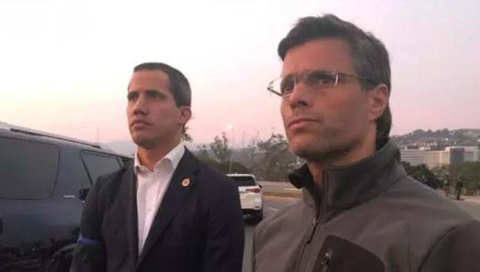 Liberaron a Leopoldo López y apareció al lado de Juan Guaidó