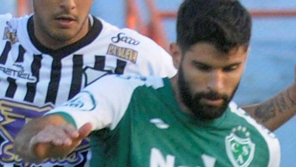 Nicolás Orsini, uno de los delanteros de Sarmiento de Junín.