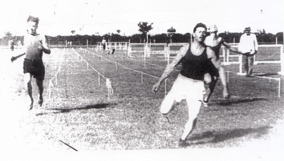 Juan Andrés Pastorino fue un destacado atleta, participando en pruebas de 100, 200 y 400 metros y en postas.