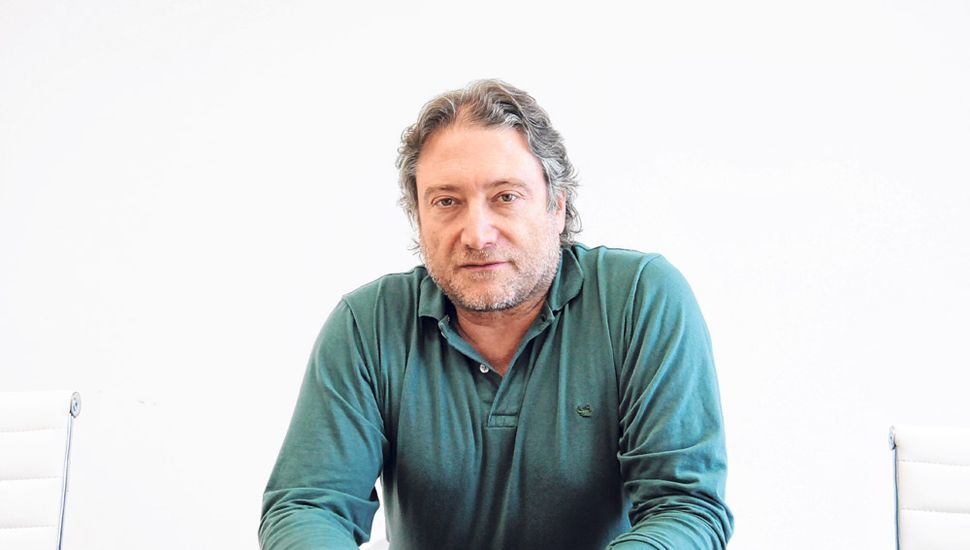 Héctor Azil