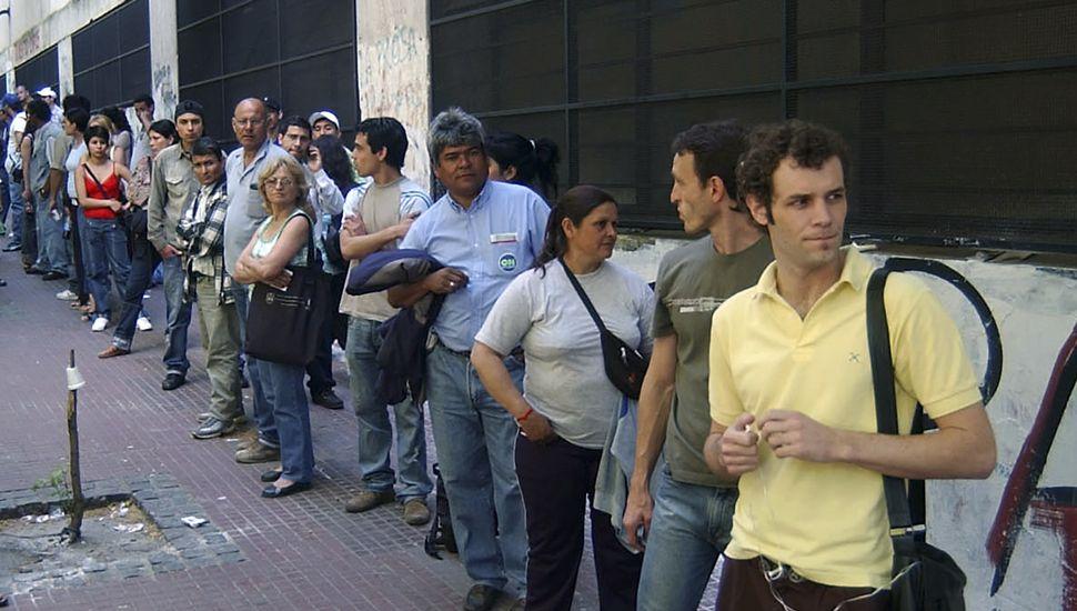 La desocupación trepó al 10,6% y afecta a más de dos millones de personas