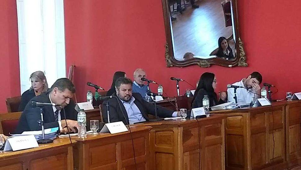 Sesión con cruces y polémica en el deliberativo local por la obra del espigón y la ampliación del SAE.