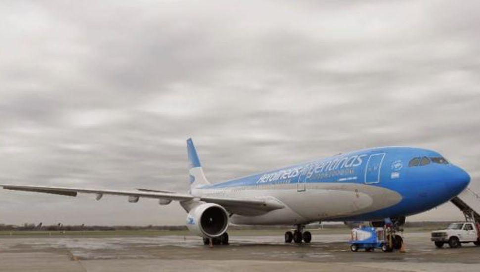 Evacuaron un avión de Aerolíneas Argentinas en Córdoba por una amenaza de bomba