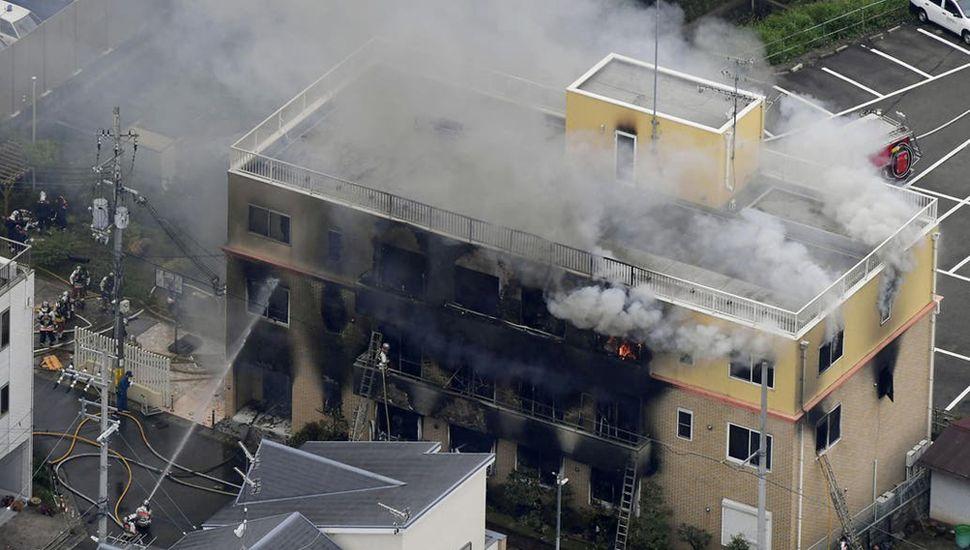 Un hombre mató a 33 personas en un ataque incendiario en Japón