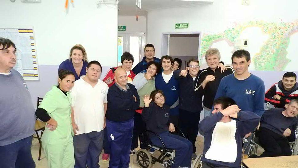 El centro de día cuenta con variadas actividades terapéuticas y recreativas, todos los días de 9 a 16.