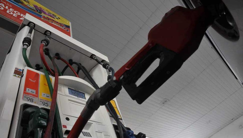 Las empresas anticipan que habrá más aumentos de nafta en diciembre