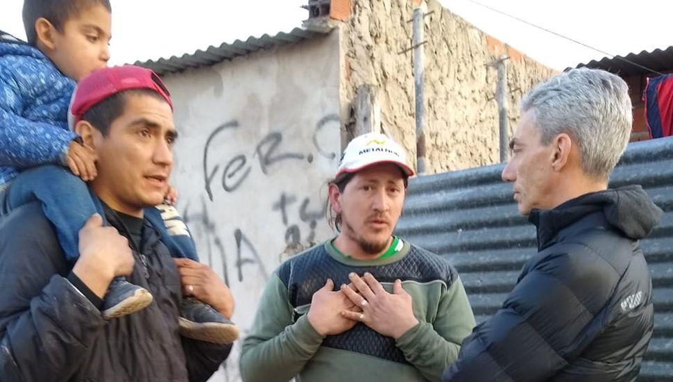 Mario Meoni dialogó con los vecinos de Junín.
