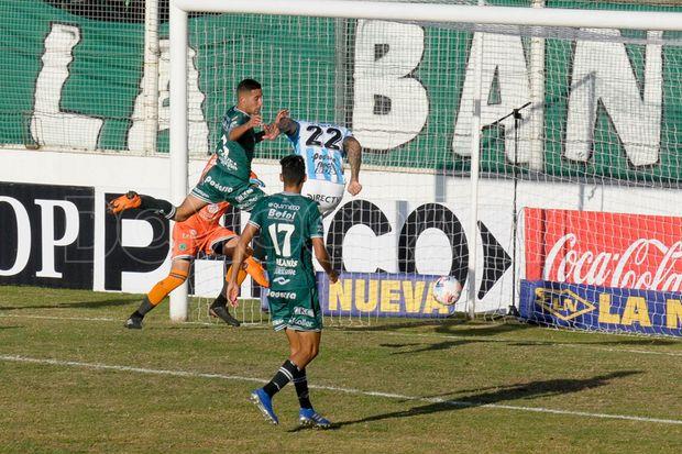 Javier Toledo anota de cabeza el tanto del empate parcial para Atlético (T).