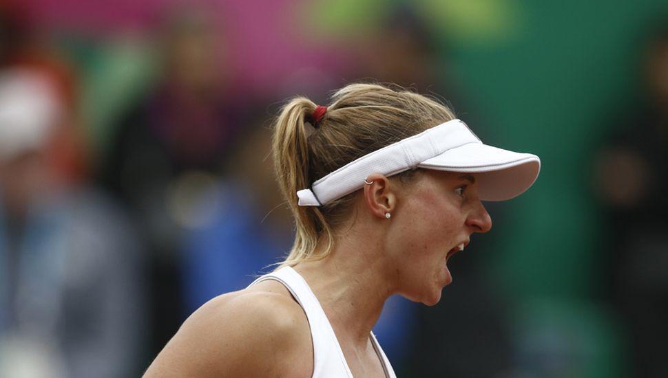 La tenista Nadia Podoroska festeja el triunfo y el oro.
