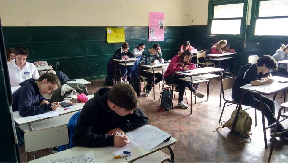 Cuatro alumnos juninenses pasaron a la instancia nacional de las Olimpíadas de Química.
