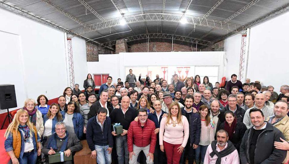 Dirigentes y afiliados en Arenales.