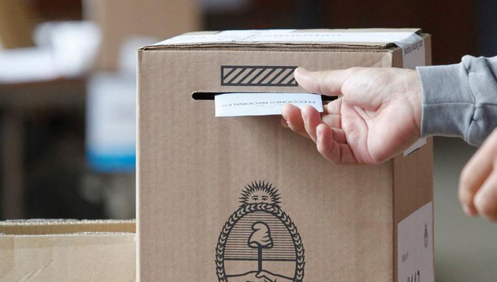 Elecciones: realizan capacitaciones para las autoridades de mesa