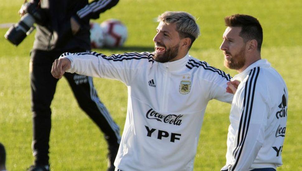 Argentina, con el regreso de Messi, juega ante Brasil