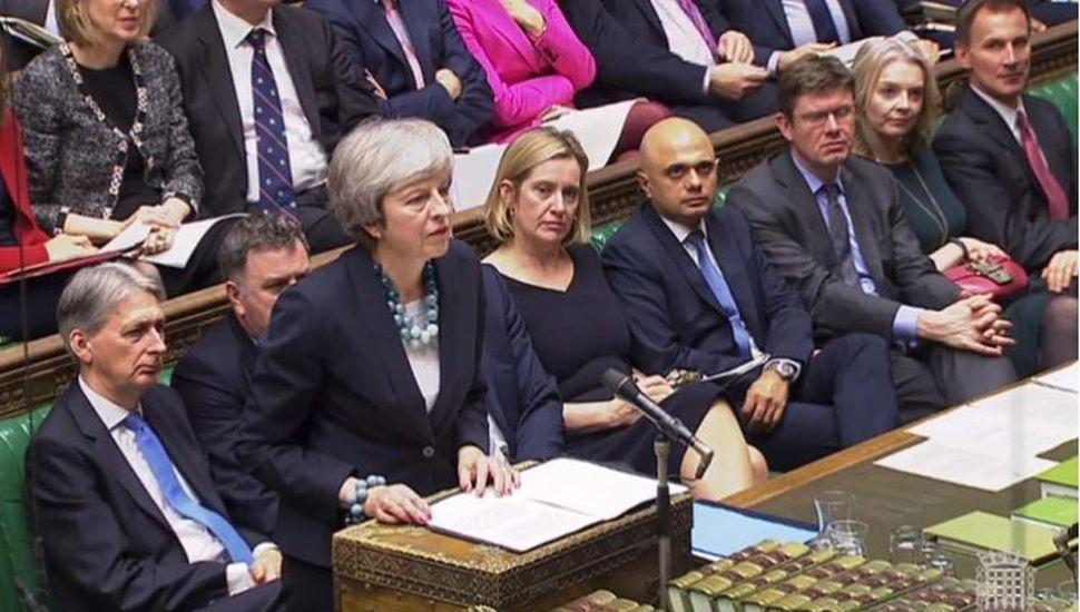 """May prepara """"nueva oferta"""" para aprobar el Brexit"""