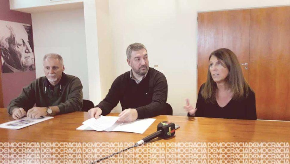 La Unnoba firmó un convenio con la empresa de comercialización y servicios de productos para la nutrición animal, Teknal.