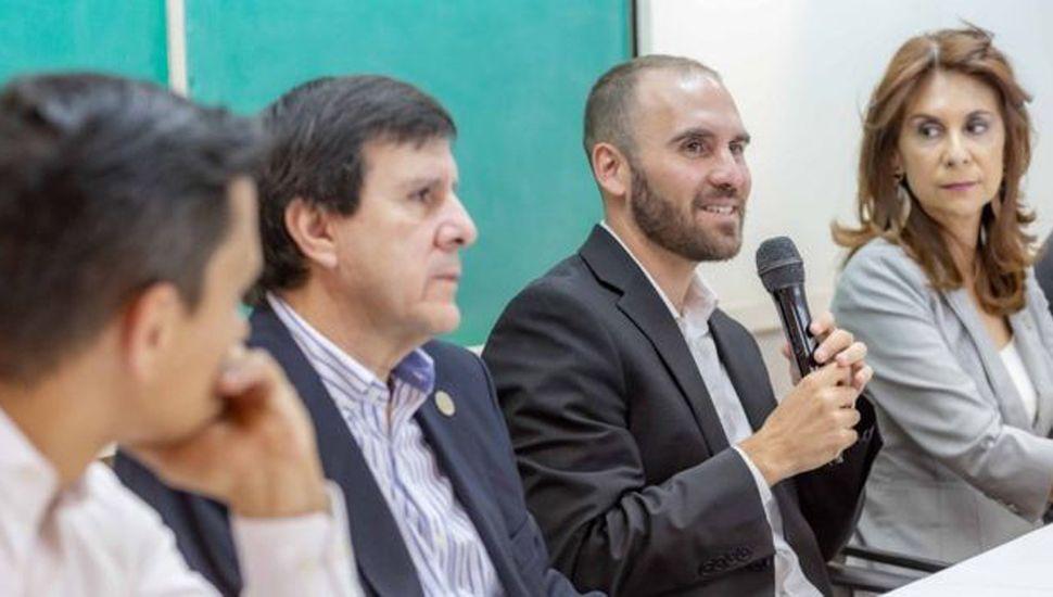 La propuesta de Guzmán pone fuerte el acento en el superávit primario.