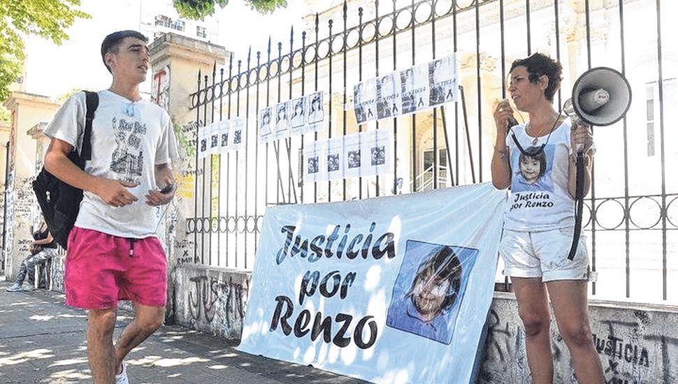 El linqueño Diego Villanueva está acusado del fallecimiento de un nene de 7 años.